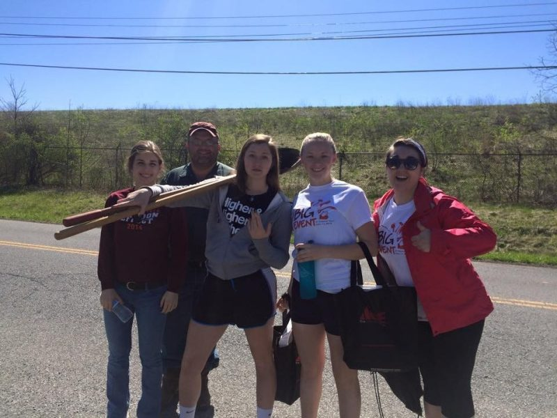 Phi Alpha Theta/History Club takes part in the Big Event