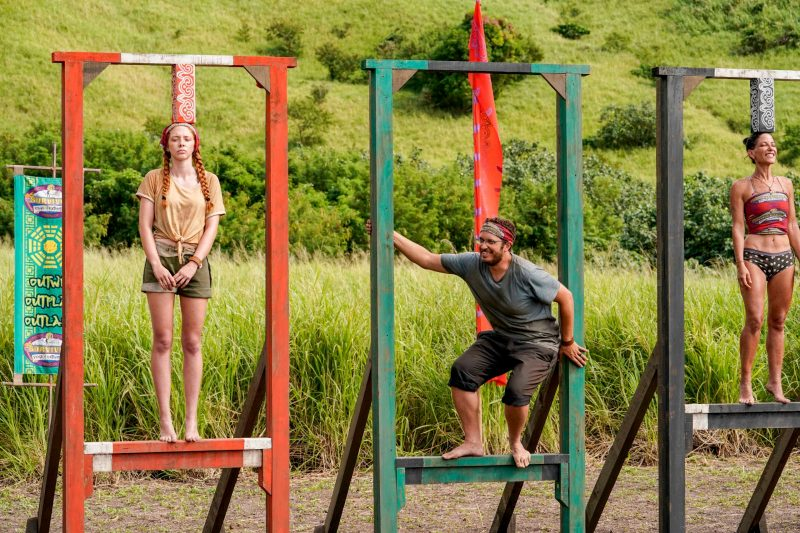 In Survivor: Edge of Extinction, Rick Devens (center) became a fan favorite for his undaunted spirit.